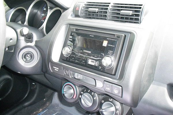 What are the Benefits of Upgrading a Head Unit?