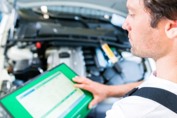HOW DOES OBD-II SCANNER HELPS YOUR VEHICLE?